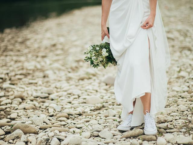 Zapatillas para novia: comodidad y estilo para tu look