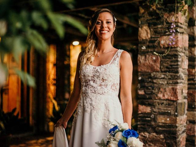 ¿Cómo elegir el peinado de novia según el escote del vestido?
