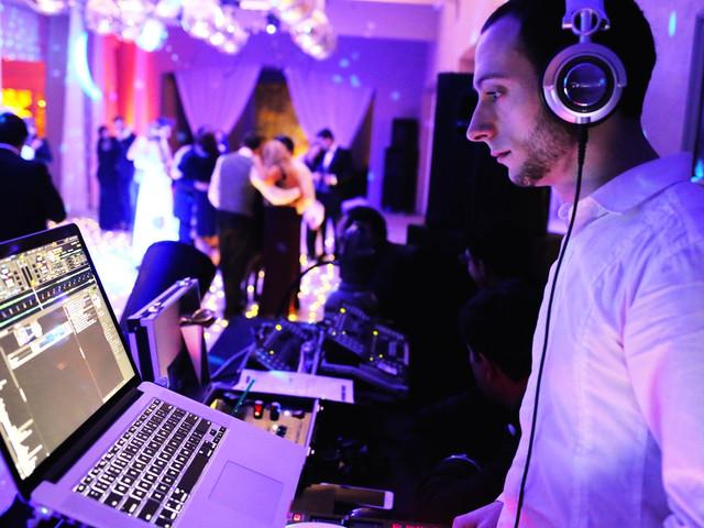 10 preguntas que deben hacerle al DJ antes de contratarlo