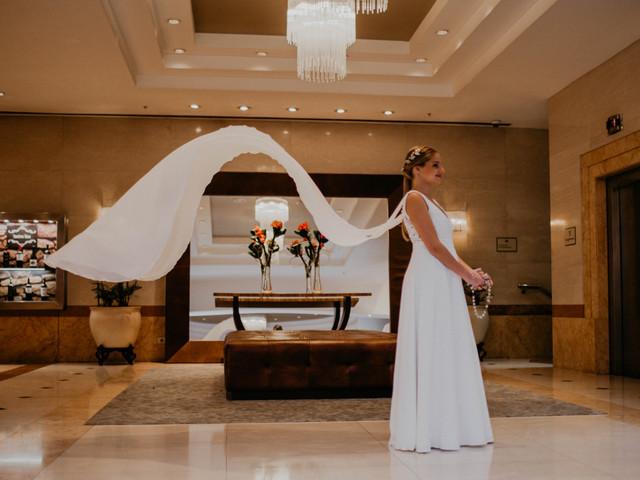 Los 5 mejores consejos de moda nupcial para novias bajitas