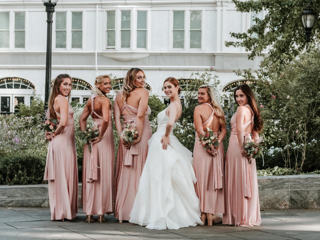 ¿Cómo elegir el vestuario para tus damas de honor?