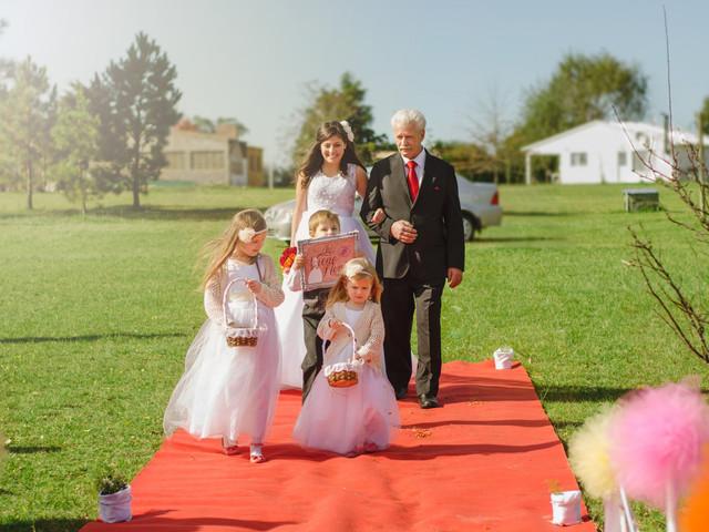 ¿Cuál es el rol de las damas y pajecitos en la ceremonia?