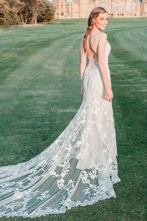9716, Allure Bridals