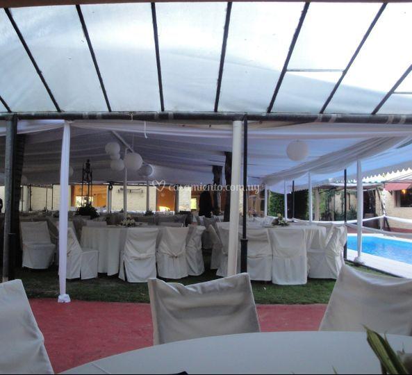 Patio cubierto para 500 invitados