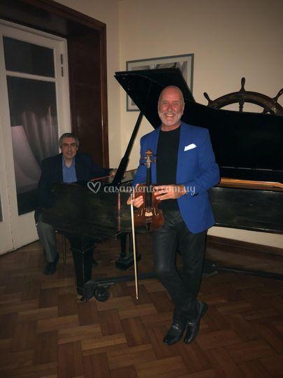 Acústico violín y piano