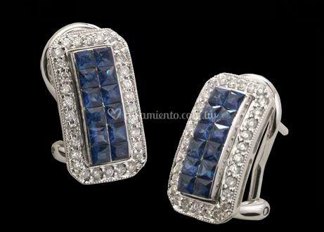 Aretes con piedras azules