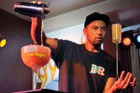 Shake & Show Open Bar