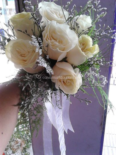 Ramo de novia en blanco