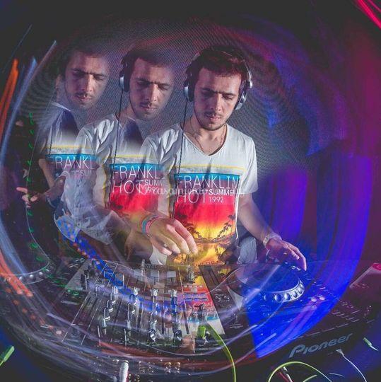 MESA DJS