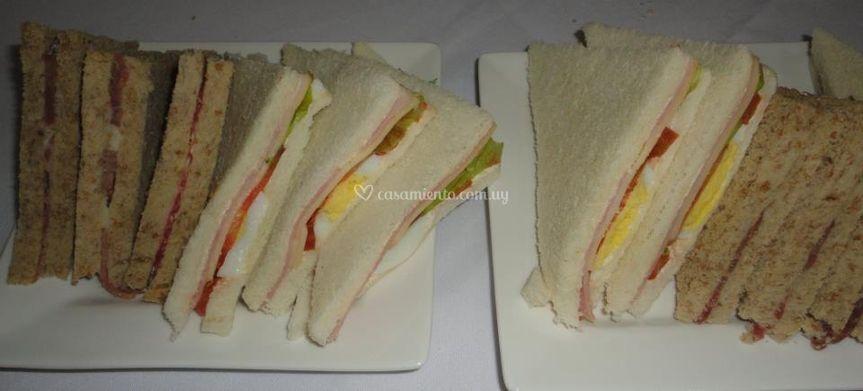 Sándwiches surtidos