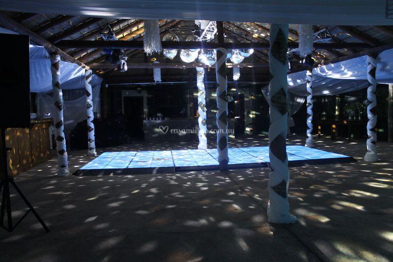 Piso led adaptado al salón