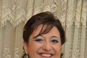 Lucia Martinez - Manicure