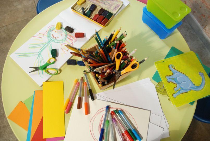 Dibujos y manualidades