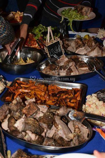 Mesa de carnes frías