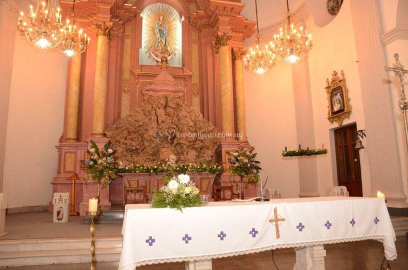 Diseños florales altar