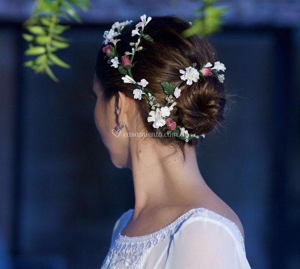 Corona envolvente de flores