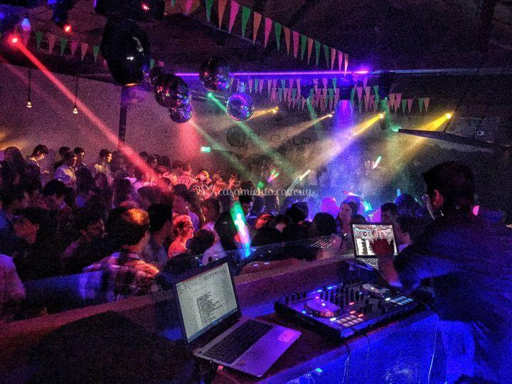 Audio y luces en Discoteca