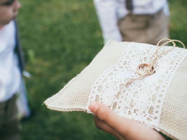 50 textos para grabar en las alianzas del casamiento