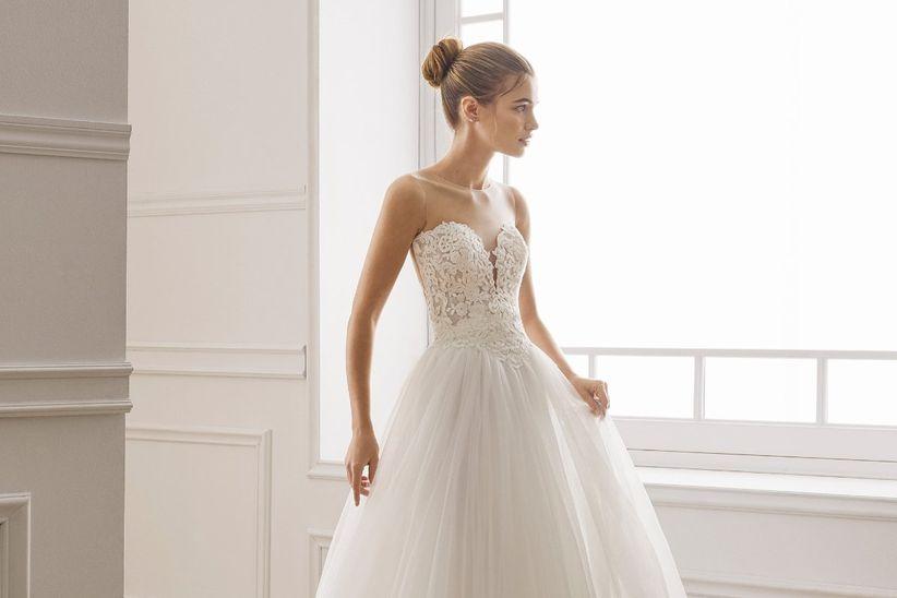 50 vestidos de novia con escote corazón, el detalle más romántico