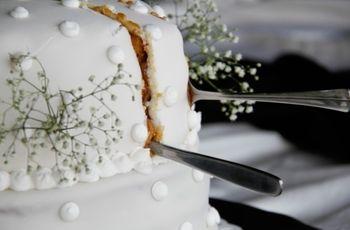 El corte de la torta del casamiento